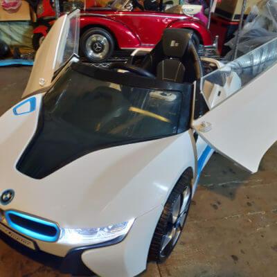 樂園毒-兒童超跑出租-婚禮花童-BMW-I8-銀-燈光版-兒童電動車1
