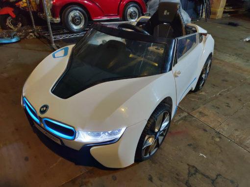 樂園毒-兒童超跑出租-婚禮花童-BMW-I8-銀-燈光版-兒童電動車2